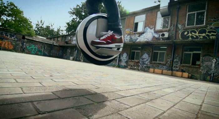 barnageek-ninebot-one-jump-street-salto